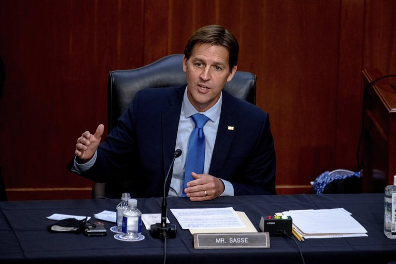 Trump calls out Sasse, Republicans in email blast