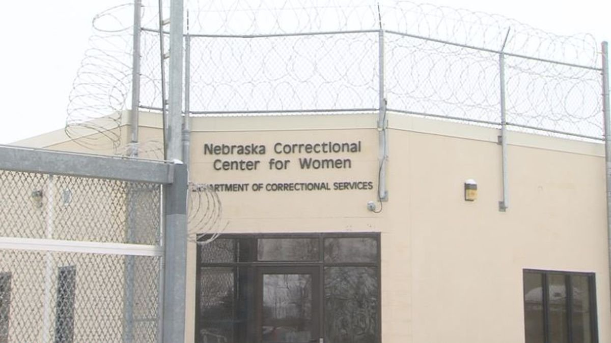 Corrections official resigned over inmate abortion decision