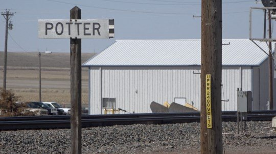 Potter residents raise concerns after stopped trains block tracks