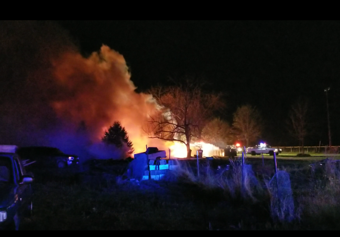 One person killed, four injured in early morning house fire in Blue Springs