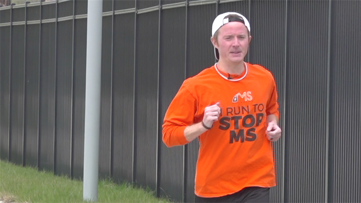 Inspired by mom, Nebraska man running from Colorado to Holdrege for MS charity