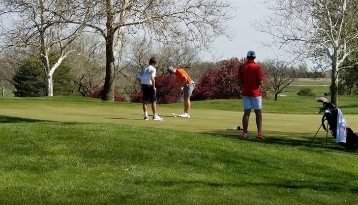 Twenty Four teams battle wind at Beatrice Golf Invitational