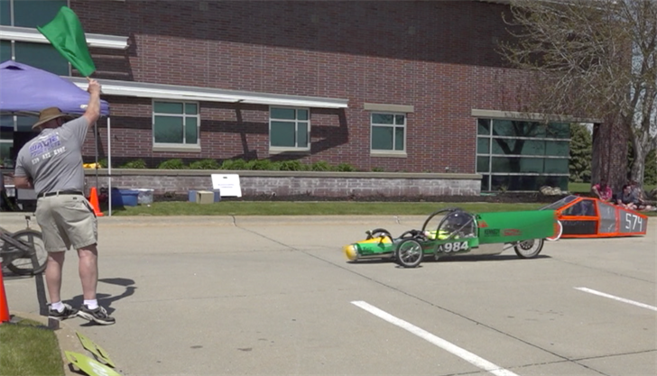 Nebraska high school students create and race cars