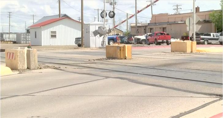 Road closure anticipated at Broadway railroad crossing