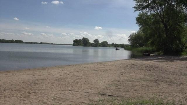 Northeast Nebraska lake still unsafe for swimmers