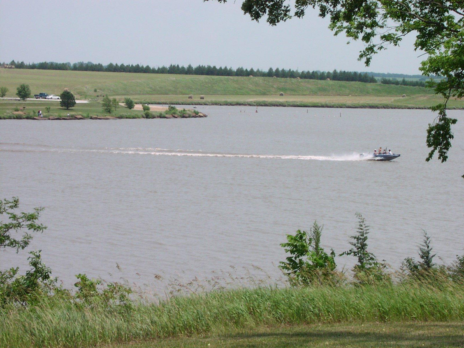 Health alerts issued for three Nebraska lakes