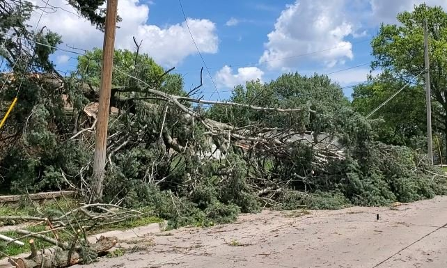 OPPD fails to meet initial mark, thousands still without power