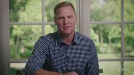Lindstrom joins governor's race