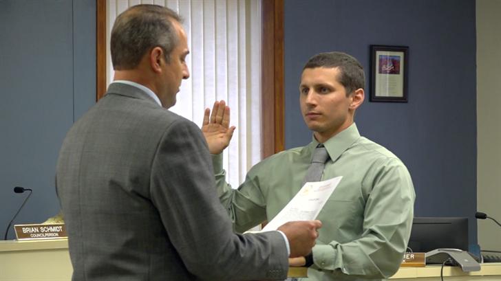 Fairbury swears in former sheriff's deputy as new city administrator