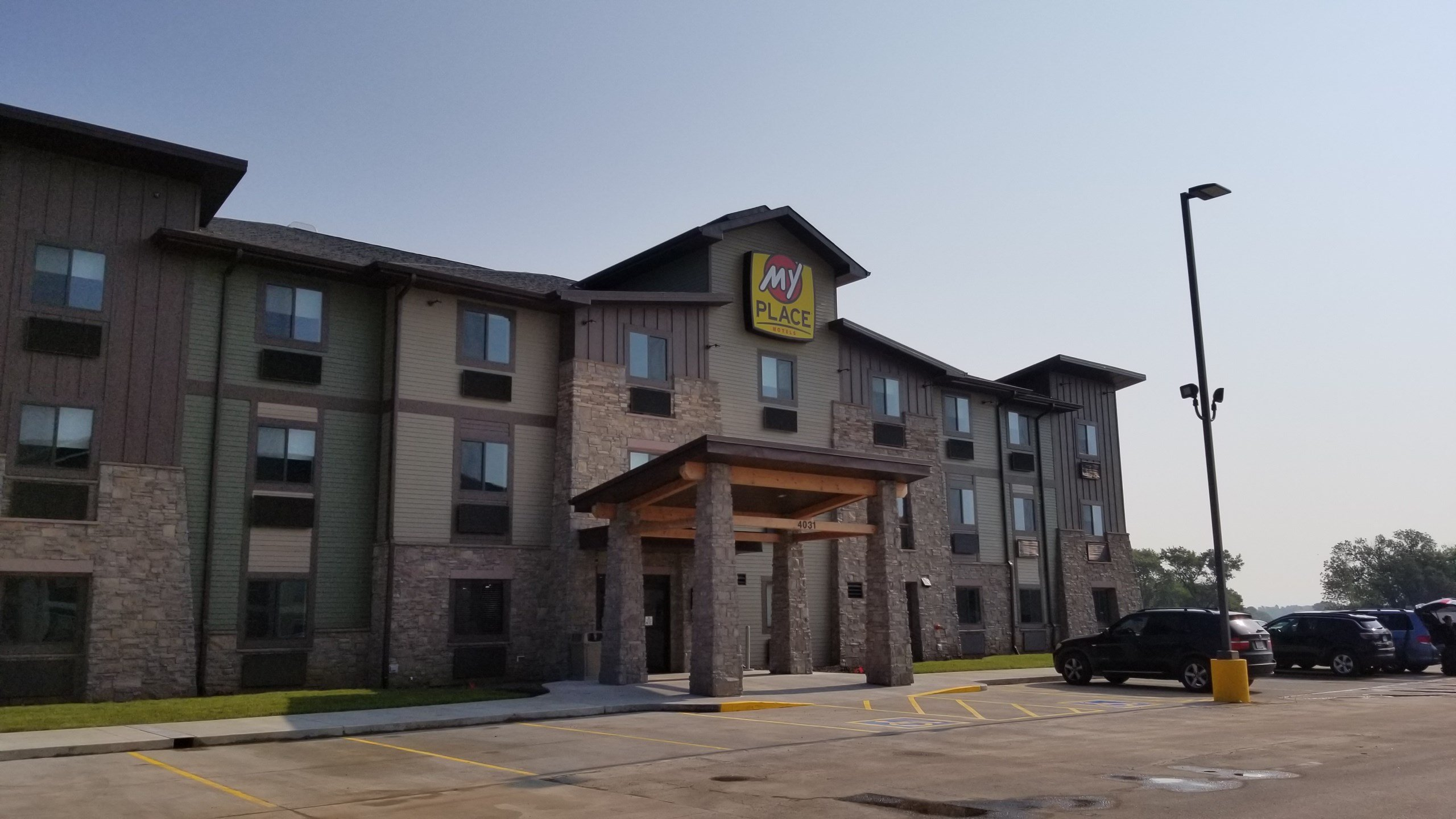 New Hotel open for business, in north Beatrice