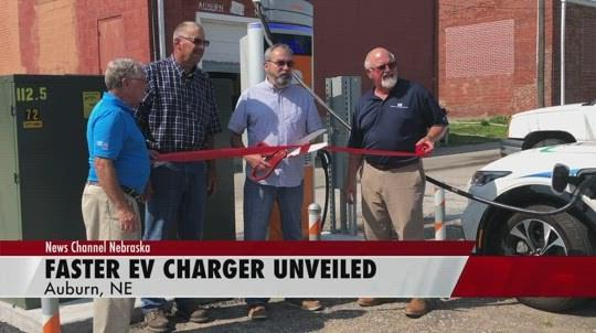 Auburn cuts ribbon on EV charging station