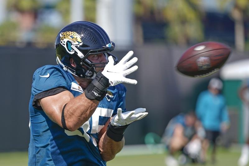 Tim Tebow's comeback story ends with Jaguars cutting him