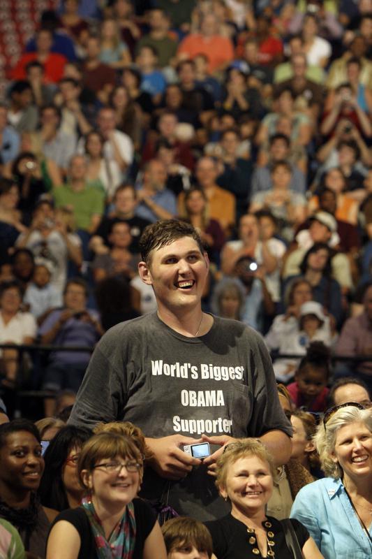 Igor Vovkovinskiy, tallest man in US, dies in Minnesota