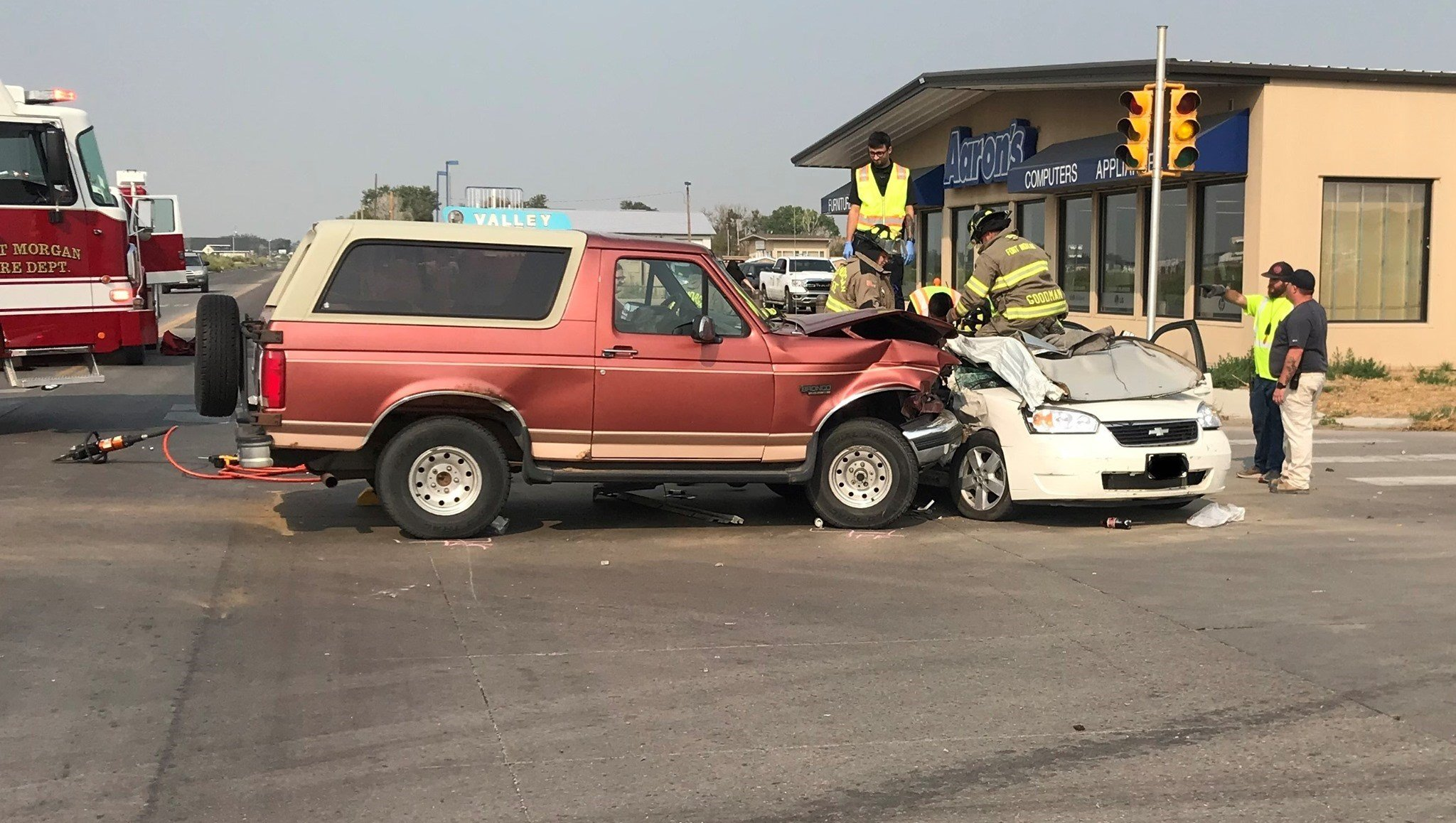 Police investigate two-vehicle accident in Fort Morgan