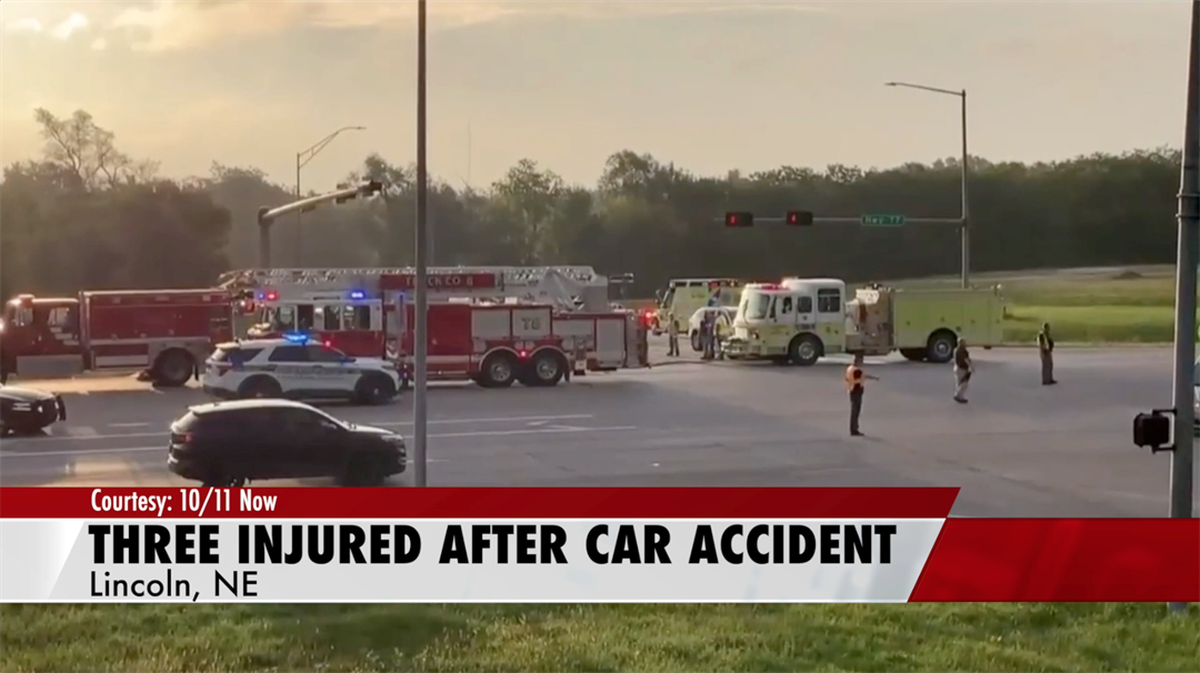 Three injured in four-vehicle car accident