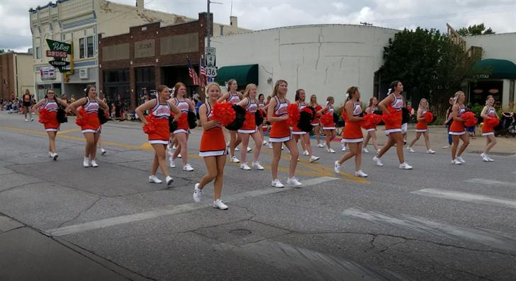 BHS Cheer and Dance team members